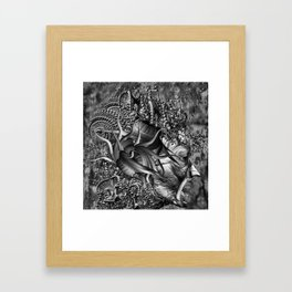 Head kaos Framed Art Print
