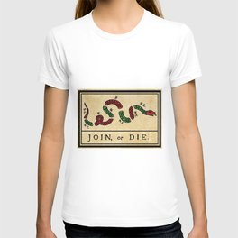 """1776 """"Join, or Die"""" Revolutionary War flag with 13 colonies, snake & colors by Benjamin Franklin T-shirt"""
