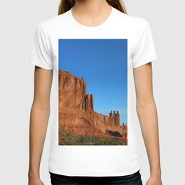Red Sandstone Landscape of the Arches Park T-shirt