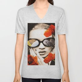 poppy pop (kate Moss) Unisex V-Neck