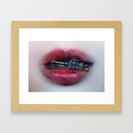 con calore e accette Framed Art Print