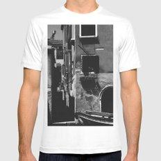 Venetian Alleyway White MEDIUM Mens Fitted Tee