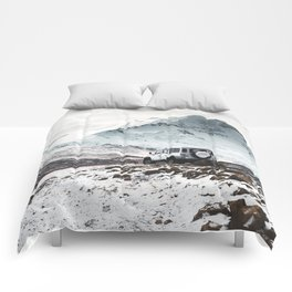 on the road in iceland Comforters