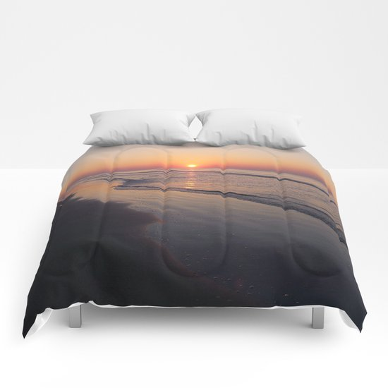 Sunrise Over The Atlantic Ocean Comforters