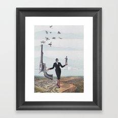 Le pouvoir Framed Art Print