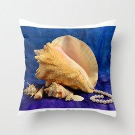 Conch shell art Throw Pillow