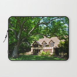 Haus with Tree Laptop Sleeve