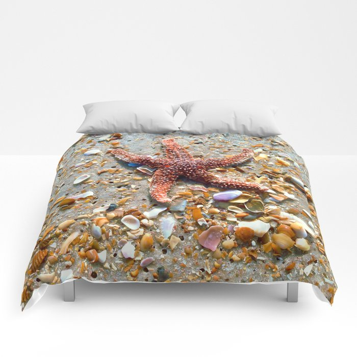 Washed up Beautiful Red Starfish Photo Art Comforters