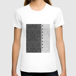 Lacing . 1 . Black and white snake. l T-shirt