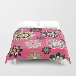 Flower retro pattern in vector. Blue gray flowers on pink background. Duvet Cover