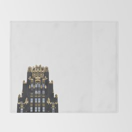 Touch the sky Throw Blanket