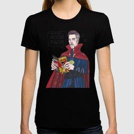 Doctor Strange reading Doctor Strange T-shirt
