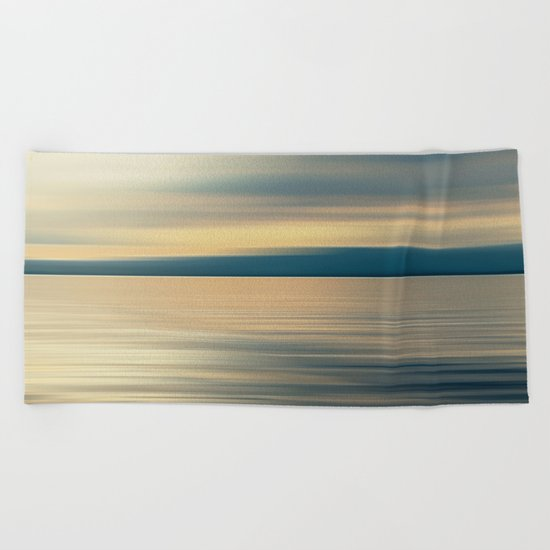 CLOUD SHADOW DREAM Beach Towel