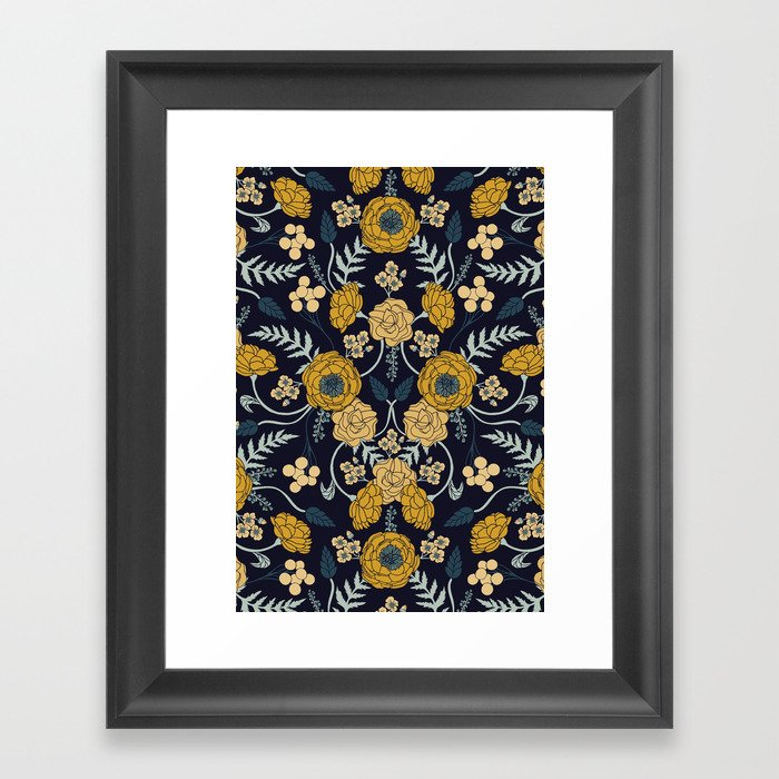 Navy Blue, Turquoise, Cream & Mustard Yellow Dark Floral Pattern Gerahmter Kunstdruck