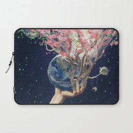 Love Makes The Earth Bloom Laptop Sleeve