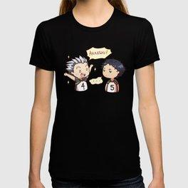 Bakuto x akaashi chibi T-shirt
