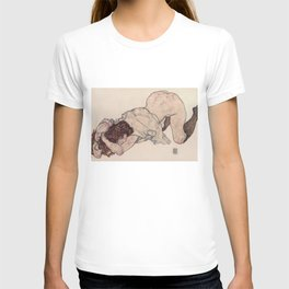 KNEELING GIRL, RESTING ON BOTH ELBOWS - EGON SCHIELE T-shirt
