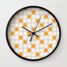 Daisy Crush Floral Pattern Wall Clock