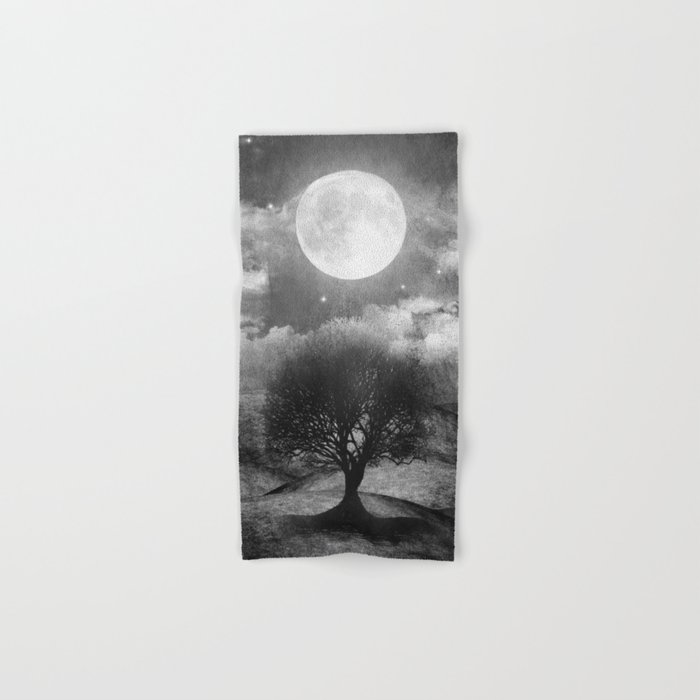 Black and white - Once upon a time... The lone tree. Hand & Bath Towel