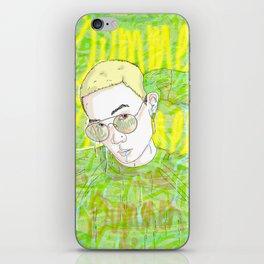 K e e B o m b iPhone Skin