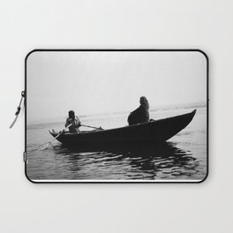 In search of peace, Varanasi. INDIA Laptop Sleeve
