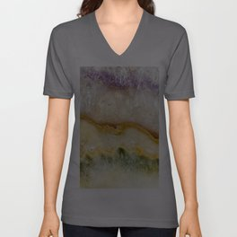 Striated Amethyst in Purple Gold & Green Unisex V-Ausschnitt