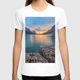 Photo USA St. Mary Lake Glacier Nature Mountains Parks Sunrises and sunsets Stones T-shirt