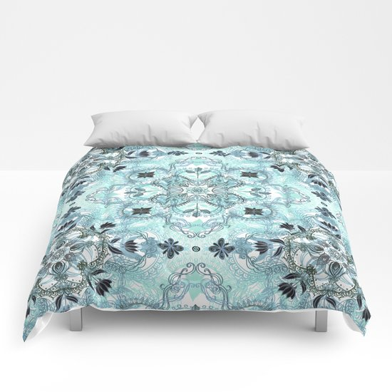Soft Mint & Teal Detailed Lace Doodle Pattern Comforters
