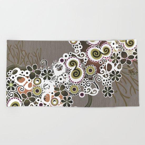 Diagonal flower – brown and olive green fiber Beach Towel