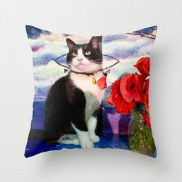 Orazio and the poppies Throw Pillow
