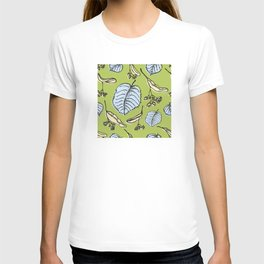 Linden pattern in spring colors T-shirt