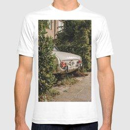 Car corner - Amersfoort The Netherlands photo   Vintage car street urban urbanscape photography art print T-shirt