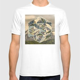 Geometric mountains 1 T-shirt