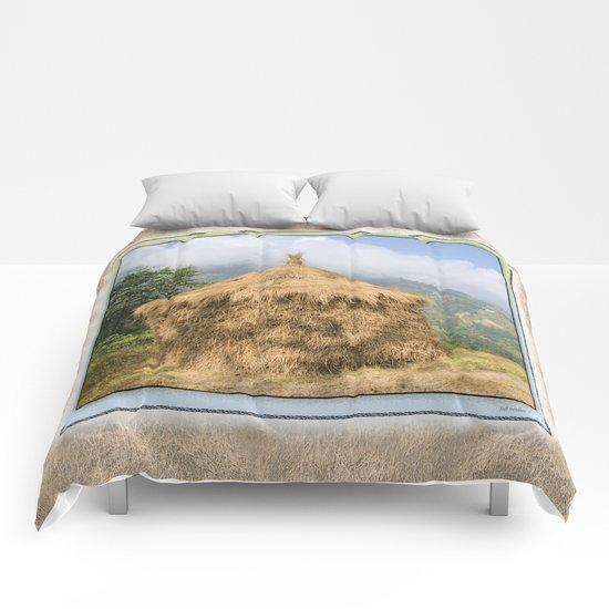 NEPALI HAYSTACK  Comforters