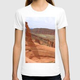 Delicate Arch A Famous Landmark T-shirt