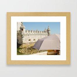Touriste Framed Art Print
