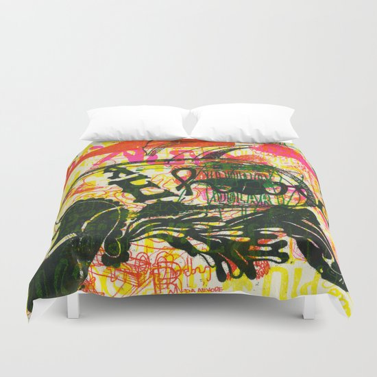 É Hard Duvet Cover