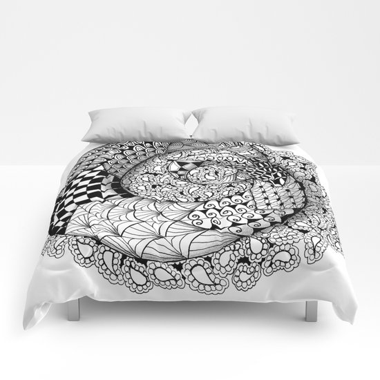 Mobius Twist Comforters