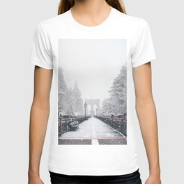 New York City and Brooklyn Bridge Winter/Christmas T-shirt