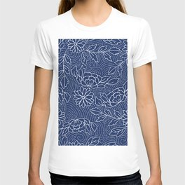 White and blue Japanese flowers pattern T-shirt