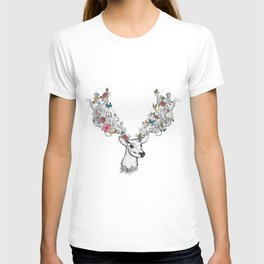 Deer with magnificent antlers and lavish ornaments T-shirt