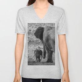 B&W Elephant Love 5 Unisex V-Neck