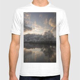 Wintery morning by the river Wye T-shirt