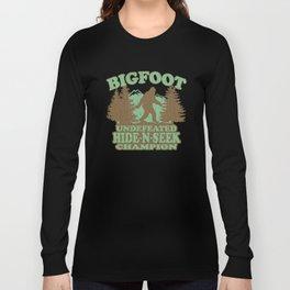 Bigfoot Hide-and-Seek Champion (vintage distressed look) Long Sleeve T-shirt