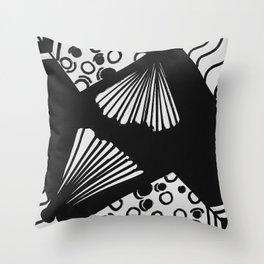 wavy circle pattern design Throw Pillow
