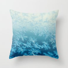 blue ombre frost Throw Pillow