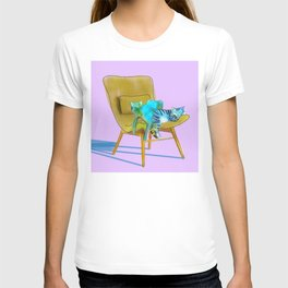 animals in chairs #12 Cats T-shirt