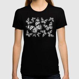 Monarch Butterflies | Monarch Butterfly | Vintage Butterflies | Butterfly Patterns | Black and White T-shirt