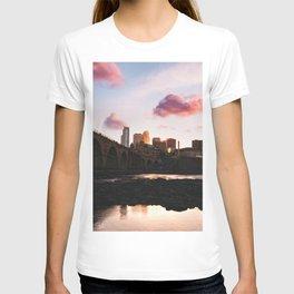 Minneapolis Skyline Sunset T-shirt