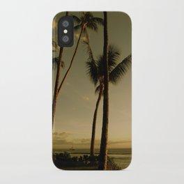 Barcos de Maui iPhone Case